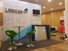Przedstawiamy małe stoisko konferencyjne na zjazdy, sympozja i spotkania w hotelach oraz centrach konferencyjnych