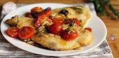 Il petto di pollo alla mediterranea è un secondo piatto facile e veloce da preparare. Gustoso e leggerissimo perfetto per tutta la famiglia.