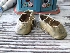 Antique Oilcloth Doll Shoes for Small French German Bisque Dolls Accessories by SueEllensFlair on Etsy