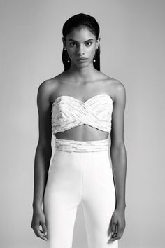 Cushnie Fall 2019 Bridal Fashion Show Collection: See the complete Cushnie Fall 2019 Bridal collection. Look 12 Most Beautiful Wedding Dresses, Wedding Dress Styles, Dream Wedding Dresses, Fashion Show Collection, Bridal Collection, Vogue Bride, Bridal Jumpsuit, White Gowns, Bridal Style