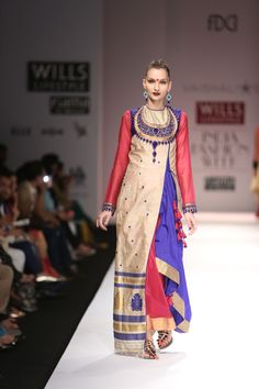 #VaishaliS #Fashion #IndianFashion #FashionWeek Ethnic Suit, Indian Ethnic Wear, Wills Lifestyle, India Fashion Week, Young Designers, Traditional Fashion, Caps For Women, Women Wear, Ladies Wear