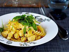 Broileri-päärynäpasta http://www.yhteishyva.fi/ruoka-ja-reseptit/reseptit/broileri-paarynapasta/014251