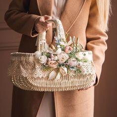 РУКОДЕЛИЕ Floral Centerpieces, Floral Arrangements, Easter Flowers, Easter Peeps, Diy Crafts For Gifts, Flower Girl Basket, Basket Decoration, Engagement Gifts, Wedding Gifts