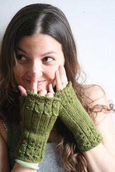 Owlings fingerless gloves
