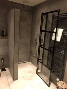 Bathroom Lighting Design, Bathroom Design Luxury, Bathroom Design Small, Bathroom Styling, Natural Bathroom, Modern Bathroom, Restroom Design, Apartment Renovation, Home Decor Kitchen