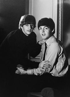 "beatles-and-stuff: "" Ringo Starr and Paul McCartney From Ringo's new book ""Photograph"" "" Beatles Love, Les Beatles, Beatles Photos, Beatles Guitar, George Harrison, John Lennon, Pop Rock, Rock And Roll, Beatrice Mccartney"