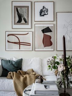 Gallery wall design doesn't have to be hard! With a little patience and these tips, you can create a gallery wall design without making a single wall hole! Living Room Designs, Living Room Decor, Scandi Living Room, Scandinavian Living, Scandinavian Interior, Open Plan Apartment, Small Apartment Living, Small Living Rooms, Small Apartments