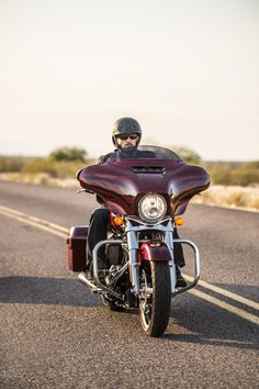 Do you want plush, top-end touring technology and infotainment or unruly stripped down bagger style? We vote yes. | 2017 Harley-Davidson Street Glide Special