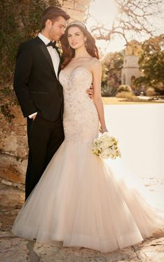 Bridal Gown Available at Ella Park Bridal | Newburgh, IN | 812.853.1800 | Essense of Australia - Style D2195