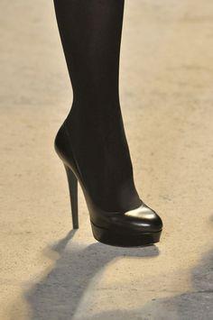Zac Posen at Paris Fashion Week Fall 2011 - Details Runway Photos High Knees, Zac Posen, Shoe Boots, Shoes, Sexy Legs, Stiletto Heels, Christian Louboutin, Footwear, Knee Highs
