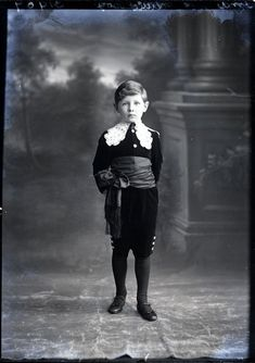 """Little Lord Fauntleroy"" style"