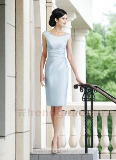 Elegant Sheath / Column Bateau Knee-length Taffeta Light Blue Mother of the Bride Dresses