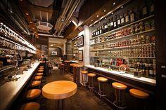 Interior de la Taberna del Gourmet: