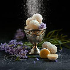 Конфеты из марципана с лавандой по рецепту Екатерины Наумчик помогут снять напряжение после трудного дня и вернут спокойный сон