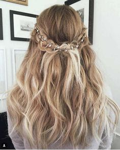 Ako vam je ponestalo inspiracije za svakodnevno stilizovanje frizure, onda zavirite u najveće haistyle trendove koji su totalno zavladali ovom popularnom društvenom mrežom.