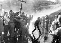 Kudamm-Demo am 14. April 1968, drei Tage nach dem Attentat auf Rudi Dutschke
