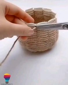 Diy Crafts For Home Decor, Diy Crafts Hacks, Diy Crafts For Gifts, Diy Arts And Crafts, Craft Stick Crafts, Paper Crafts Origami, Easy Paper Crafts, Jute Crafts, Bottle Crafts