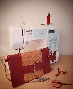 miss_m_couture _ Sac Bandoulière ღ _ Le petit dernier est né : un #cachotin ! Patron super simple à coudre. Merci @patrons_sacotin 😊 Petite touche personnelle un #papillon porte clé 🦋  Skaï prune et wax rose : @mondialtissus Liège paillettes : petite tissuterie à #niort  #couture #sewing #jeportescequejecouds #mode #homemade #diy #diyfashion #fashion #sewingproject #sewinglove #sewingaddict #fabric #paris #coutureaddict #igers #instalike #picoftheday #glamour #style