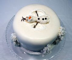 Disney Party Ideas:  Frozen cake