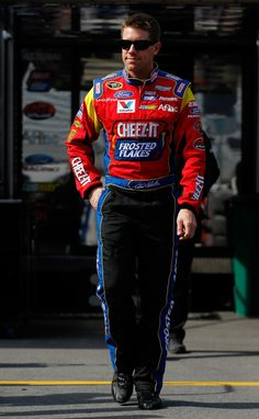 Carl Edwards Photo - Bristol Motor Speedway: Day 2