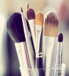 Saiba como limpar seus pincéis e demais utencílios de maquiagem