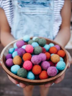 Craft, Loose parts, sensory you name it! These little felt balls are sure to bring lots of enjoyment to whatever creative ideas your little ones have in mind! each bag has 100 felt balls from Papoose.Ages 3+ Each ball measures 1.5cm dia