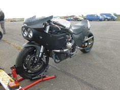 Mercenary Garage Design Dublin 8 Ireland Custom Motorcycle Workshop Suzuki GSXR 1100 Slabby Slab Side Slabside Drag Racer Bike Turbo Swingarm Low Matte Black 01.JPG (Image JPEG, 1600×1200 pixels) - Redimensionnée (79%)