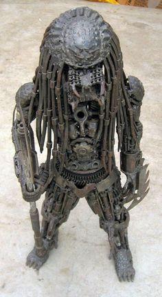 alien-sculpture-9.jpg (550×1009)