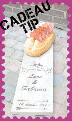 Persoonlijke borrelplank. Leuk bruiloft cadeau Camembert Cheese, Dairy, Food, Meal, Essen, Hoods, Meals, Eten