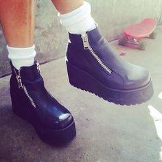 UNIF Black Daria Boot