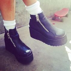 UNIF Black Daria Boot