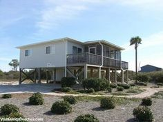 **GULF VIEW HOME***FREEBIRD is very tastefully decorated and well furnished. The kitchen is extremely well stocked with everything you could possibly need. Enjoy beautiful views of the gulf from the s...