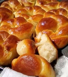 Bread Art, Greek Desserts, Sweet Bread, Pretzel Bites, Sweet Recipes, Food And Drink, Favorite Recipes, Easter, Sweets
