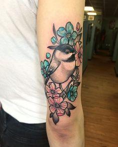 Chickadee Tattoo, Bluebird Tattoo, Cardinal Tattoos, Bird Tattoos, Tatoos, Maine Tattoo, Nouveau Tattoo, Tattoo Motive, Cool Tats