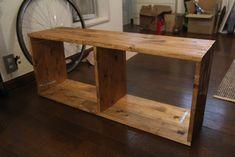 【賃貸DIY】来客用にはベンチにもなるよ!ソファでの作業に役立つ木製サイドテーブルを自作してみました。