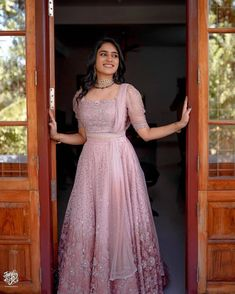 Indian Wedding Gowns, Party Wear Indian Dresses, Designer Party Wear Dresses, Indian Gowns Dresses, Indian Bridal Outfits, Indian Bridal Fashion, Indian Fashion Dresses, Dress Indian Style, Wedding Dresses