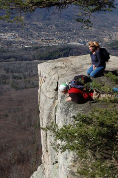 Hiking Lookout: Explorations of Chattanooga's Most Famous Mountain