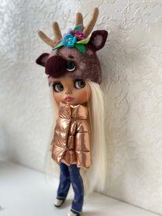 Blythe Dolls For Sale, Christmas Ornaments, Holiday Decor, Etsy, Christmas Jewelry, Christmas Decorations, Christmas Decor