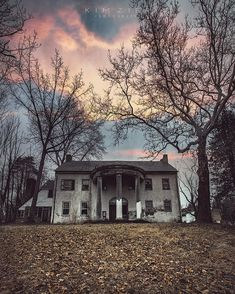 Outstandingly Beautiful Abandoned Photography by Kim Zier Abandoned Mansions, Abandoned Buildings, Abandoned Places, Creepy Photography, Drone Photography, Real Castles, Best Places In Europe, Beautiful Ruins, Dark City