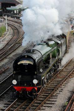 The Torbay express departing Bristol temple Meads, hauled by 'Braunton' Bristol, Old Steam Train, Old Trains, Vintage Trains, Steam Railway, Bonde, Train Art, British Rail, Train Pictures