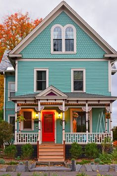 The Beauty and Charm of a Victorian Style House - Town & Country Living - BELLA Victorian Style Homes, Victorian Farmhouse, Victorian Interiors, Modern Victorian, Red Houses, Old Farm Houses, Town And Country, Country Living, Outside House Paint