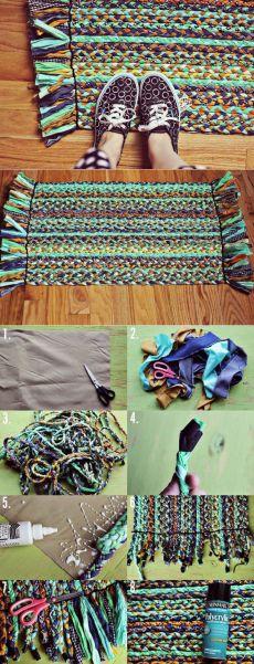 Делаем коврик из ненужной одежды