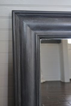 Tutorial for black zinc finish for furniture and mirror revamps.  She used a glaze and dry brush combo.  Love the finish.