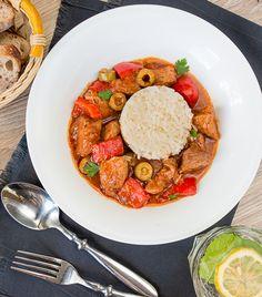 Свинина по-испански с оливками и сладким перцем