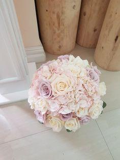 - All The World Wedding Ideas White Wedding Decorations, White Wedding Bouquets, Bride Bouquets, Floral Bouquets, Purple Wedding, Wedding Flowers, Dream Wedding, Dusky Pink Weddings, Rose Bridal Bouquet