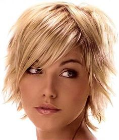 Short shag hairstyles side and center part. Great for fine hair and receding hairline. Short shag hairstyles side and center part. Great for fine hair and receding hairline. Funky Short Hair, Short Thin Hair, Short Hair With Layers, Short Hair Cuts, Short Hair Styles, Thick Hair, Short Blonde, Choppy Layers, Choppy Cut
