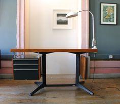 Vá de Retro: SECRETÁRIA DACIANO DA COSTA Art Deco, Drafting Desk, Industrial Design, Costa, Retro, Furniture, Home Decor, Night Lamps, Homemade Home Decor