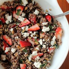 : A tasty strawberry basil quinoa salad topped with goat cheese and sunflower seeds, and served with my absolute favorite lemon dressing. It's slightly sweet and oh so fresh! You'll love this as a healthy lunch, especially in the summer. #saladrecipes #lunchideas Healthy Sides, Healthy Side Dishes, Side Dish Recipes, Lunch Recipes, Mexican Food Recipes, Salad Recipes, Recipes Dinner, Vegetarian Recipes, Healthy Recipes