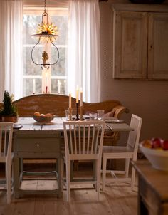 Clara's Christmas archive - Page 6 of 21 - WonderfulClara Swedish Cottage, Interior Design Living Room, Vintage Dining Room, Sweet Home, Interior, Swedish Interiors, Home Decor, Scandinavian Cottage, House Interior