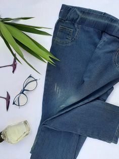 Jeansstick pants and button at the price of 155 EGP Jeans Brands, Mom Jeans, Challenges, Buttons, Legs, Raw Materials, Tassel, Period, Pants
